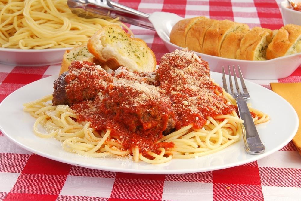 How to thicken spaghetti sauce with bread crumbs