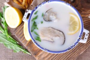 What Foods Go Well With Clam Chowder