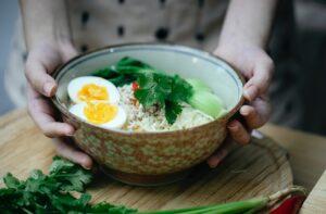 do egg noodles have carbs