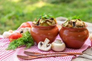 is it safe to use clay pots for cooking
